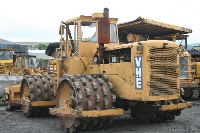 Landfills With Tractors : Compaction landfill equipment